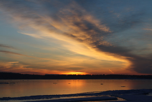 <b>Submitted By:</b> Robert DeGabriele <b>From:</b> Traverse City <b>Description:</b> Dawn viewed from the Clinch Park beach March 15