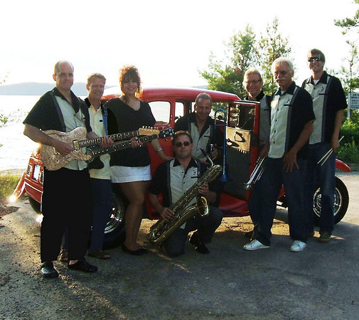 <b>Submitted By:</b> Bill Kneisel <b>From:</b> Traverse City <b>Description:</b> BlueShadow with Hot Rod
