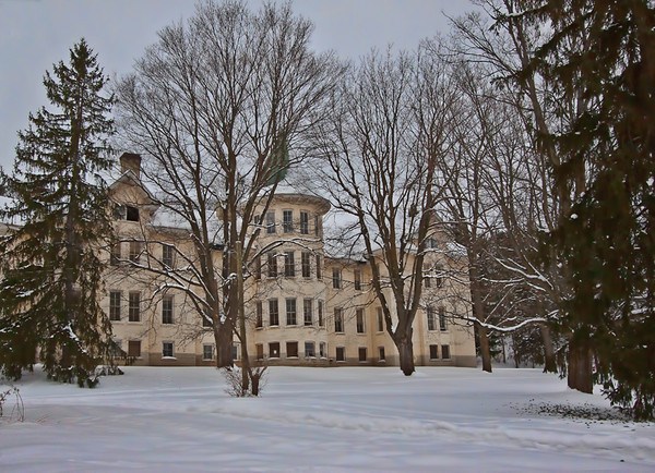 <b>Submitted By:</b> Linda Bailey <b>From:</b> Traverse City, MI <b>Description:</b> Old State Hospital