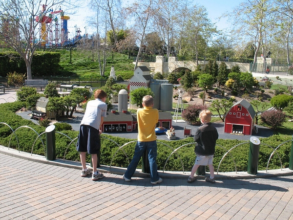 We love seeing your 3 people looking at something pictures in the <br /> classifieds.  I thought I would contribute with some of my own.  Here are my <br /> 3 sons on vacation in CA at Legoland.  They are Nehemiah, Cameron and Levi. <br /> Thank you, D'Anne