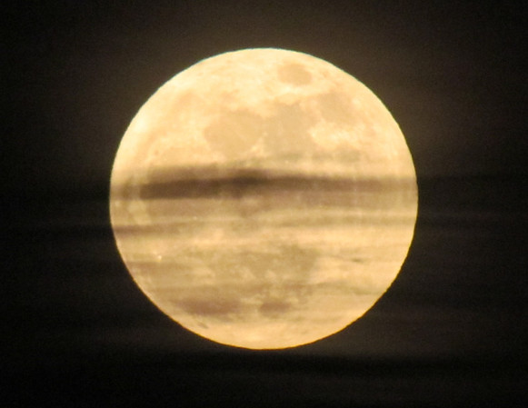 <b>Submitted By:</b> Lucy Hunter <b>From:</b> Williamsburg, Michigan <b>Description:</b> SuperMoon from my back yard