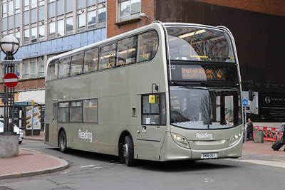 Reading Buses 232 Station Road Reading Feb 17