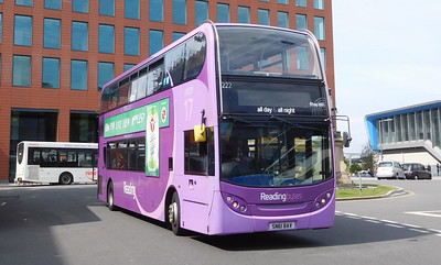 222 - SN61BAV - Reading (railway station)