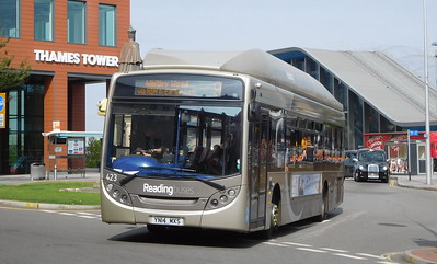 423 - YN14MXS - Reading (railway station)