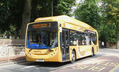 425 - YN14MXU - Reading (the Forbury)