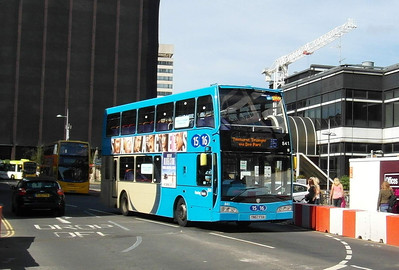 841 - YN57FXA - Reading (railway station) - 15.9.12