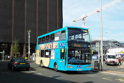 842 - YN57FXB - Reading (railway station) - 15.9.12