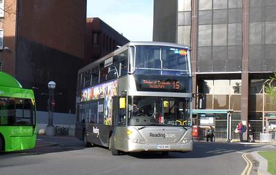 1113 - YN08MMO - Reading (railway station) - 8.4.14