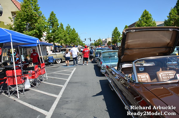 """Robert """"The Ghost"""" Guerrero Car & Bike Show Fundraise with Ready2Model Ring Card Divas"""