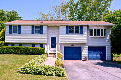 This house sold within 24 hrs. Did the photos help, you bet they did! They didn't have to look at those TINY MLS photos!