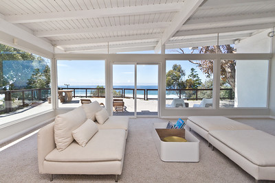 Malibu home living room with great ocean views