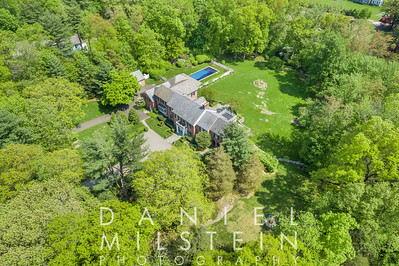85 Round Hill Rd aerial 06