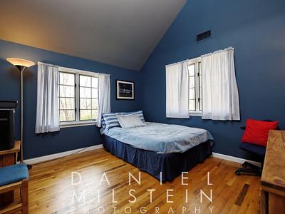 3 Peaceable St 27 2nd flr bedroom