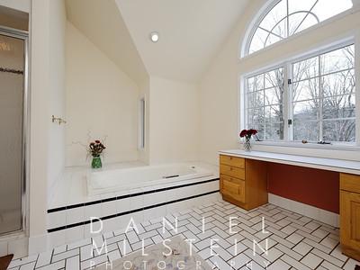 3 Peaceable St 31 master bath