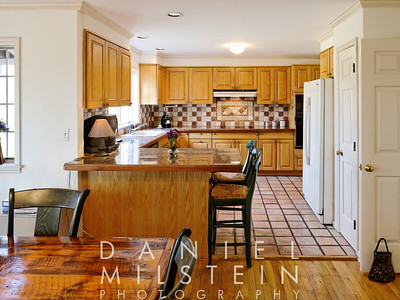 3 Peaceable St 20 eat in kitchen
