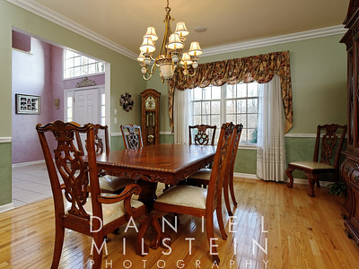 Dining room to front entry