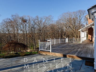 77 Londonderry Dr 08