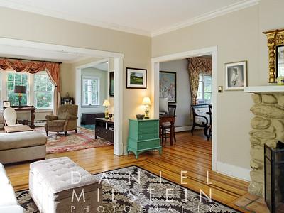 116 Harriman Rd 16 living room