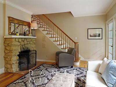 116 Harriman Rd 15 living room