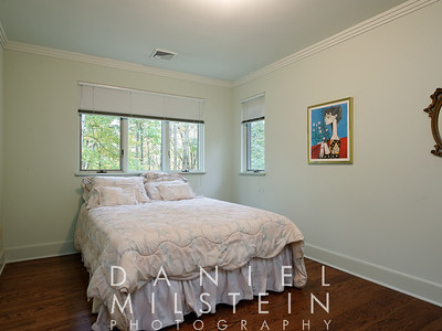 9 Twin Ponds Rd 34 2nd flr bed