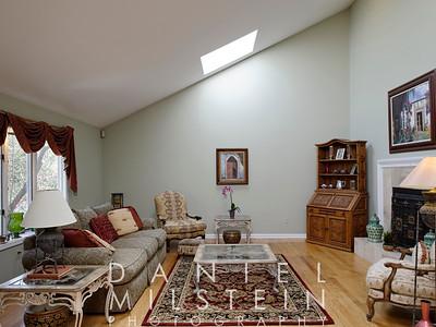 1 Autumn Ridge Rd 17 living room