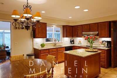 18 Silvermine Dr 25 kitchen