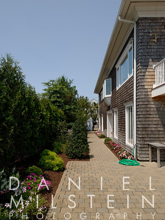 195 Fairfield Beach Rd 08