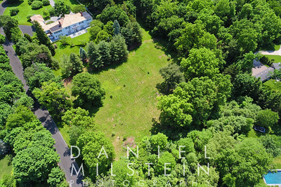 8 Stoneleigh Manor Dr aerial 05