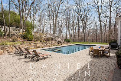 6 Carriage Hill Rd 12