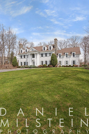 6 Carriage Hill Rd 06