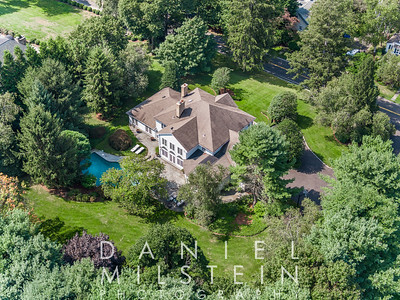 40 Pear Tree Point Rd aerial 04