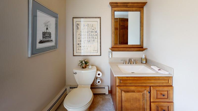 334-Howard-Street-Bathroom(1)
