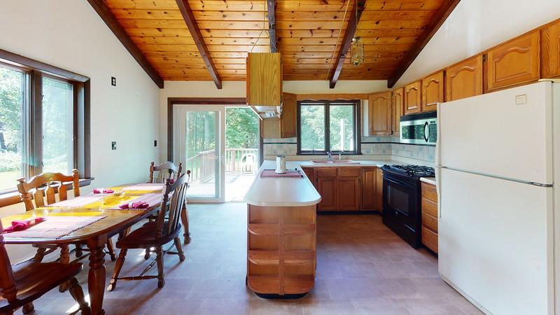 3-Pebble-Beach-Road-Kitchen
