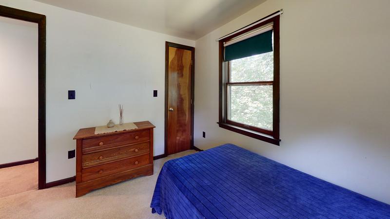 3-Pebble-Beach-Road-Bedroom(1)