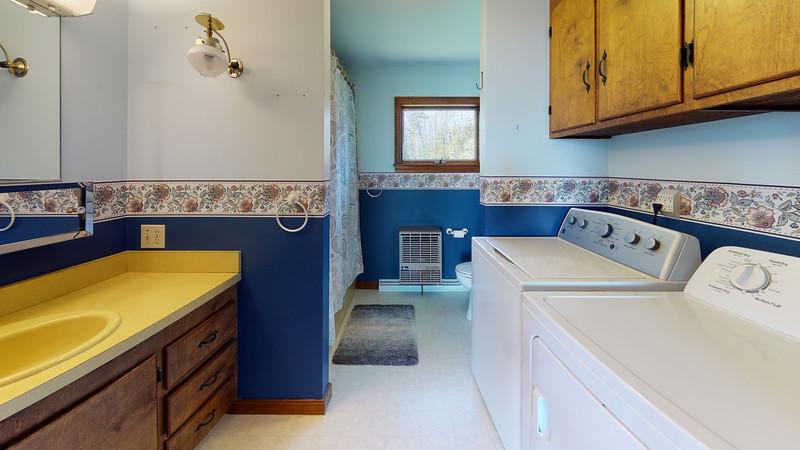 313-Waterman-Beach-Road-Bathroom