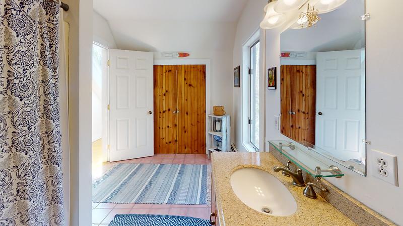 13-Hathorne-Point-Bathroom