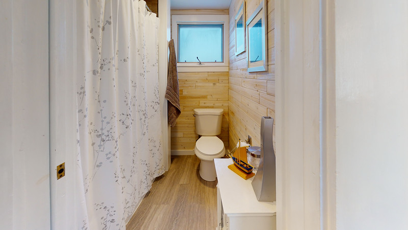 14-Erin-Street-Bathroom