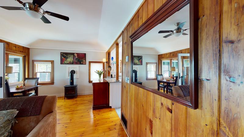 2-Bridges-Road-Guest-Cottage-04042020_205536