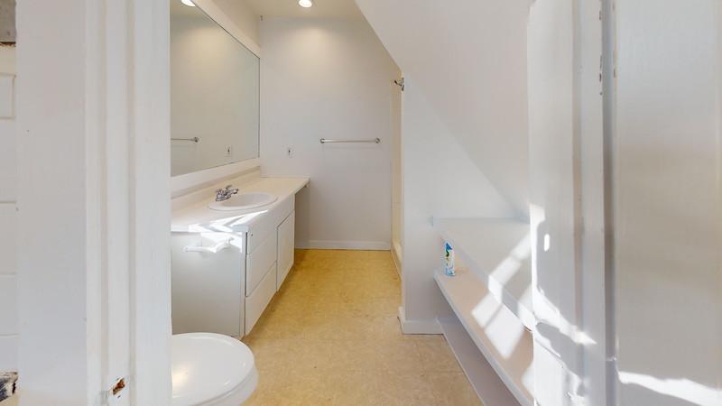 22-Lindsey-Street-Apt-B-Bathroom