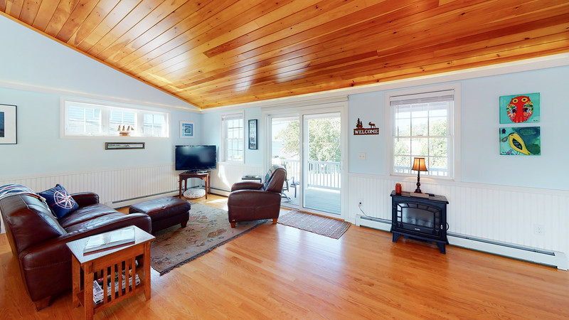 268-Island-Road-Living-Room