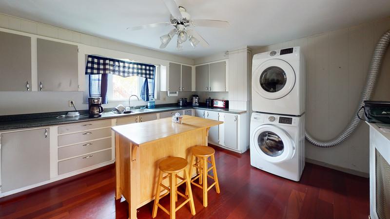 323-Broadway-Front-Apartment-Kitchen(1)