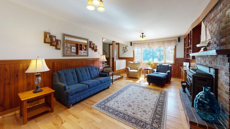 65-Sunrise-Terrace-Living-Room(1)