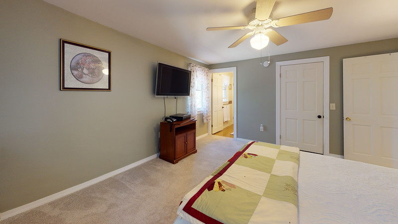 65-Sunrise-Terrace-Bedroom(3)