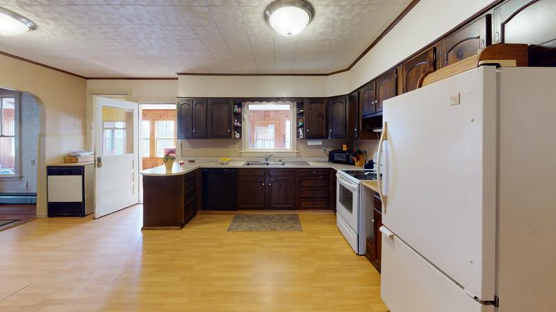 84-School-Street-1-Kitchen
