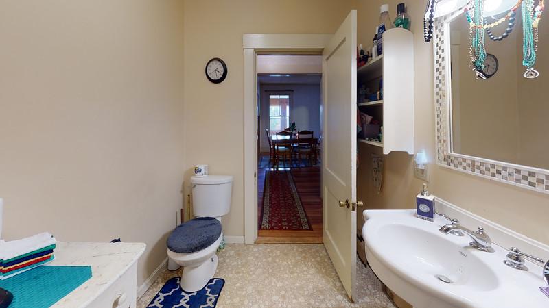 84-School-Street-1-Bathroom(1)