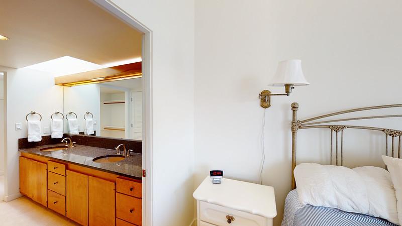 Harbor-Square-Condominiums-Unit-5-06202020_080627