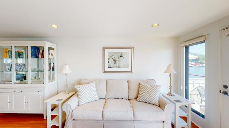 Harbor-Square-Condominiums-Unit-5-06202020_075525