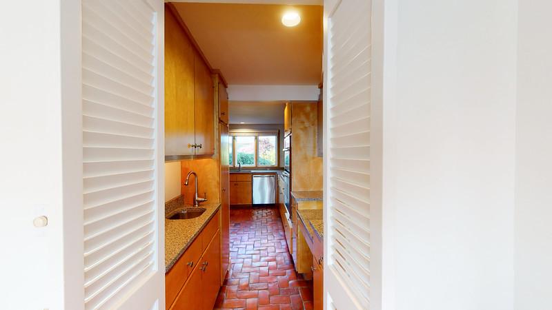 Harbor-Square-Condominiums-Unit-5-06202020_075620