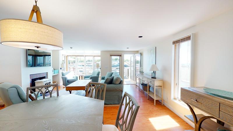 Harbor-Square-Condominiums-Unit-4-06202020_215531
