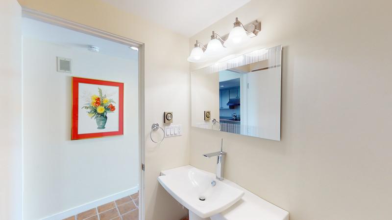 Harbor-Square-Condominiums-Unit-4-06202020_215634(1)